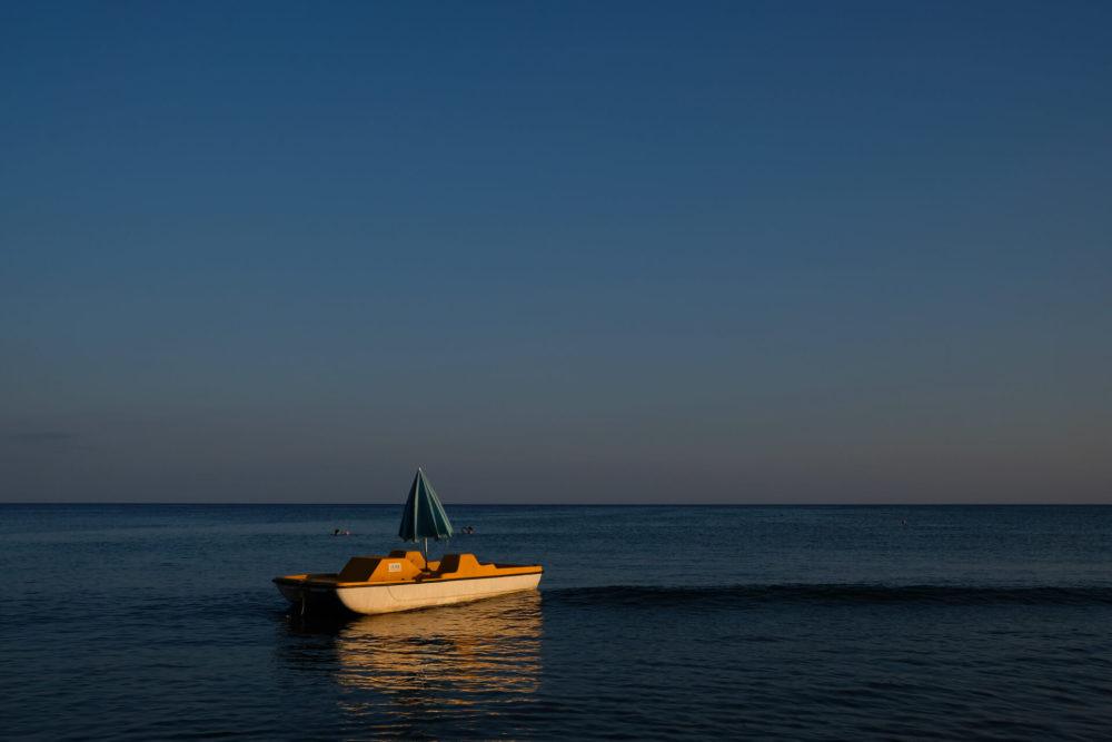 zolty rower wodny morze andamanskie grecja