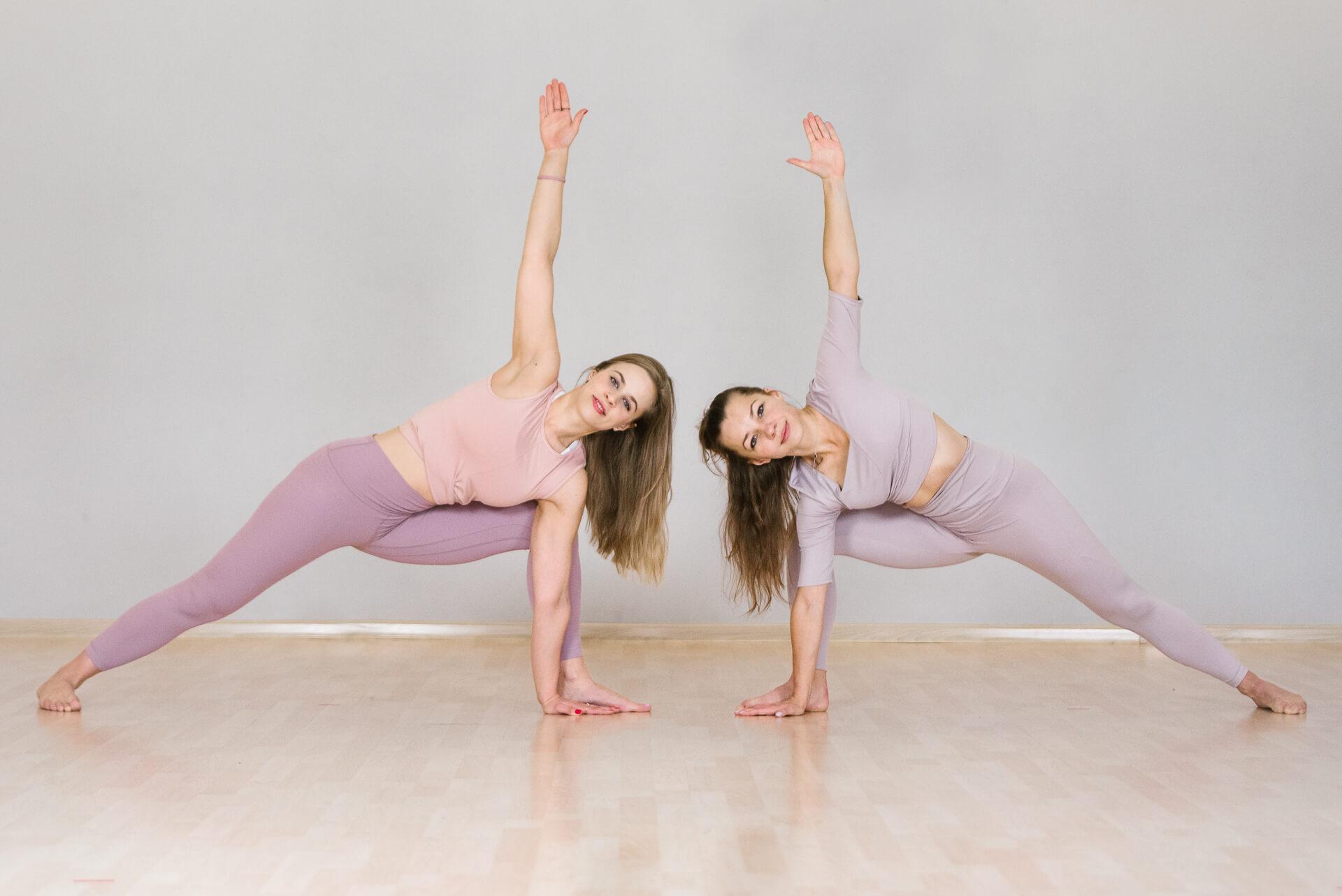 dwie-kobiety-joga