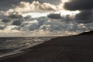 chmury nad morzem